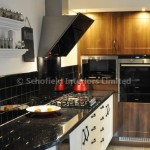 Shaker Vinyl Ivory & Dark Walnut with Gloss Laminate Worktops