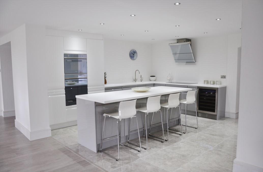 Viseu Handleless Grey Amp White High Gloss kitchen With
