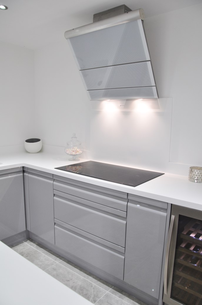 Viseu‬ Handleless Grey Amp White High Gloss ‪kitchen‬ With